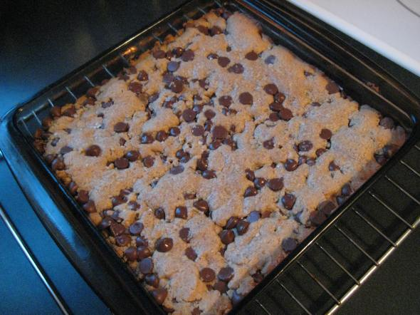 Salted PB Choco Chip Bars