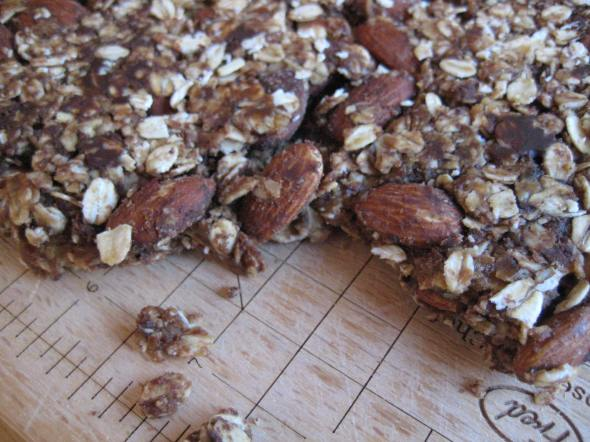 PB Choco Chip Granola Bars || Small World Supper Club